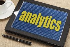 Tableta de Digitaces con palabra del analytics fotografía de archivo