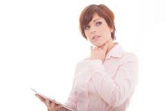 Tableta de la tenencia de la mujer de negocios con el panel táctil. Fotos de archivo libres de regalías