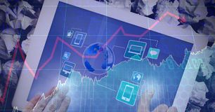 Tableta digital conmovedora de la mano con la capa gráfica Imagen de archivo