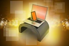 Tableta y ordenador portátil de Digitaces Fotografía de archivo