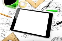 Tableta y plan de la ingeniería Fotos de archivo