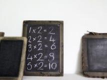 Tabletas de la tiza usadas en escuelas del vintage foto de archivo
