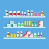 Tabletas médicas, píldoras, botellas médicas en estantes Foto de archivo libre de regalías