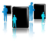 Tabletas negras con los hombres de negocios azules Imagen de archivo