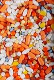 Tabletas, píldoras y fondo coloridos de las drogas fotos de archivo libres de regalías