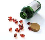 Tabletas y cápsulas como tratamiento de una enfermedad en la macro p Imagen de archivo