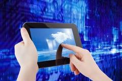 Tabletcomputer in handen royalty-vrije stock foto's