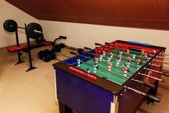 Tabletop παιχνίδι - foosball επιτραπέζιο χόμπι, αθλητισμός επιτραπέζιου ποδοσφαίρου στο recr Στοκ Φωτογραφίες