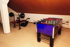 Tabletop παιχνίδι - foosball επιτραπέζιο χόμπι, αθλητισμός επιτραπέζιου ποδοσφαίρου στο recr Στοκ εικόνες με δικαίωμα ελεύθερης χρήσης