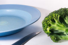 Tabletop e vegetal no fundo branco Imagem de Stock