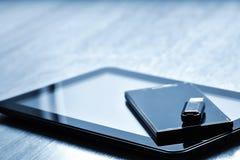Tablets, intelligente Telefone und USB-Blitz fährt Lizenzfreies Stockbild