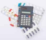 Tablets mit Kapseln in den Blisterpackungen und Lizenzfreie Stockfotografie