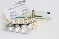 Tablets und Einspritzungen Lizenzfreie Stockbilder