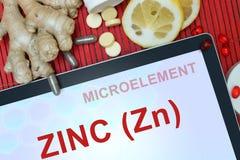 Tablette avec le zinc de mots (Zn) photographie stock libre de droits