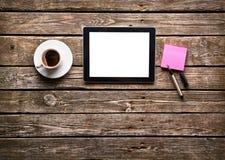 Tablette de Digital avec le papier de note Photos libres de droits
