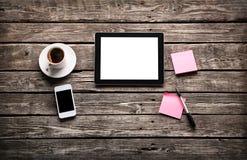 Tablette de Digital avec le papier de note collant Images stock
