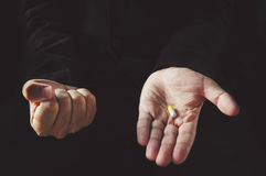 Tablette in der Hand stockbild