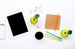 Tablette sur le lieu de travail de concepteur Photos libres de droits