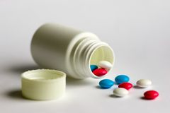 Tabletten & fles Stock Foto