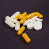 Tabletten en pillen Stock Afbeeldingen