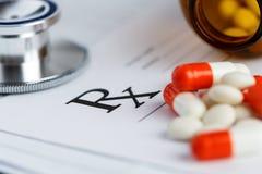 Tabletten en recept Stock Foto