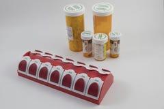 Tablettenfläschchen und Lagerung Lizenzfreie Stockfotografie