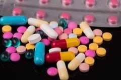 Tablettenpillen Royalty-vrije Stock Afbeeldingen
