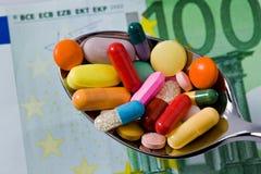 Tablettes et médecines à la santé Photos libres de droits