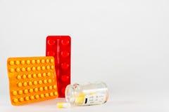 tablettes Médecine pour la prise Il est libéré selon la recette du docteur Photo stock