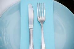 Tableware на плите стоковая фотография
