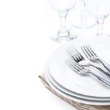 Tableware - плиты, изолированные вилки и стекла, Стоковое Фото