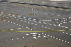 Tablier d'un aéroport Photographie stock libre de droits