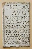 Tablilla con las cartas latinas Fotos de archivo libres de regalías