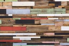 Tablones de madera coloridos Fotos de archivo libres de regalías