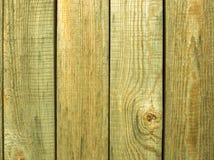 Tablones de madera verticales del pino viejo como fondo Imagenes de archivo