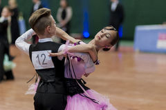Tabolin Michail en Zhukovskaya Alina Perform jeugd-1 Standaard Europees Programma over Nationaal Kampioenschap Stock Afbeelding