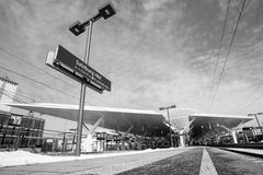 Taborowa platforma Monochromatic sceneria - czarny i biały Zdjęcia Stock