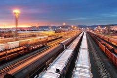 Taborowi zafrachtowania - ładunek linii kolejowej przemysł obraz royalty free
