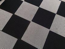Tabuleiro de xadrez com fundo preto e branco dos quadrados Imagens de Stock Royalty Free