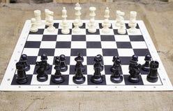 Tabuleiro de xadrez de madeira Imagens de Stock