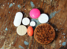 Tabuleta e comprimidos da medicina Imagens de Stock