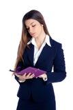 Tabuleta indiana asiática do ebook da leitura da mulher de negócio Fotografia de Stock
