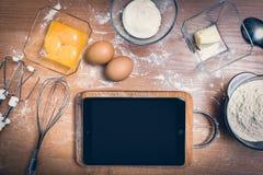 Tabuleta na cozinha Imagens de Stock Royalty Free
