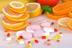 Tabuletas, vitaminas Imagens de Stock Royalty Free
