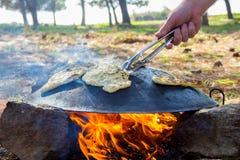 Tabun традиционный путь делать хлеб пита daruze Стоковое Фото