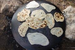 Tabun традиционный путь делать хлеб пита daruze Стоковое фото RF
