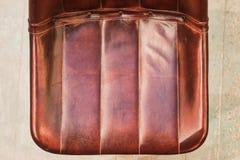 Taburete de cuero en el top Imagen de archivo