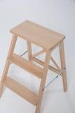 Taburete de madera en un fondo blanco Foto de archivo libre de regalías
