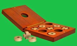 Tac van de tic teenspel in oude natuurlijke houten doos Royalty-vrije Stock Afbeelding
