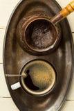 Taca świeżo robić kawa (odgórny widok) fotografia royalty free